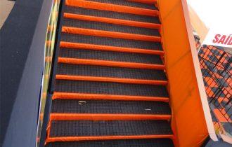 Reveste escadas e sinaliza áreas de perigo